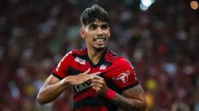 Manchester United to rival PSGs £35 million offer for Flamengo starlet