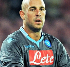 Napoli to trigger Pepe Reina buy-out clause?