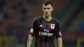 Chelsea issued hands-off warning over AC Milan star