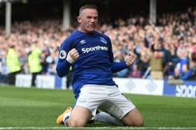 Wayne Rooney in contention for Tottenham game