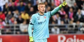 Arsenal to sign Icelandic goalkeeper as Martinez replacement