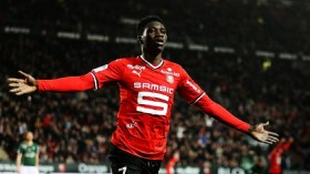 Arsenal hold transfer discussions over Rennes winger?