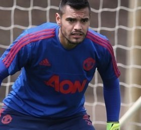 Sergio Romero holds talks with Manchester United over his future