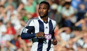 Burnley in talks with Stephane Sessegnon