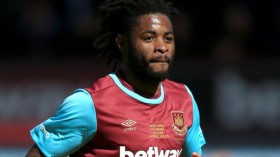 Arsene Wenger rules out Alex Song deal