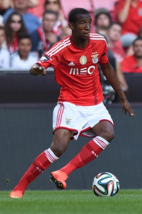Chelsea join race for Benfica starlet