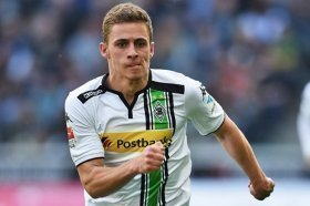 Liverpool considering move for Thorgan Hazard