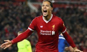 Virgil van Dijk suffers serious knee injury?