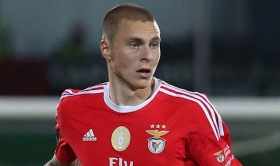 Man Utd Target Lindelof To Sign New Benfica Contract
