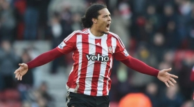 Arsene Wenger keen on Southampton defender