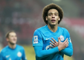 Liverpool, Everton to fight it out for Witsel
