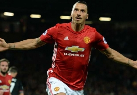Ibrahimovic in talks over new contract