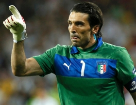 Gianluigi Buffon linked with surprise Liverpool move