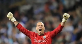 Arsenal plot move for Malaga shot-stopper?