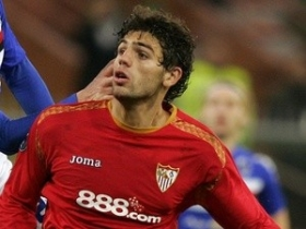 Arsenal join Liverpool in race for Federico Fazio