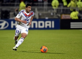 Nabil Fekir will only leave Lyon for Arsenal, says father
