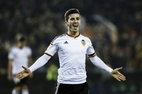 Chelsea, Man Utd in for Jose Gaya?