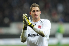 Arsenal linked with Eintracht Frankfurt goalkeeper