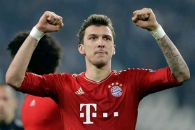 Arsenal back in for Mandzukic?