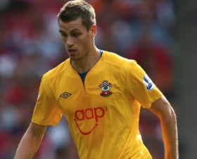 Morgan Schneiderlin will stay at Southampton