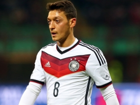 Michael Ballack staggered by Mesut Ozil criticism
