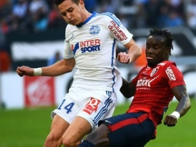 Pape Souare extends Crystal Palace stay