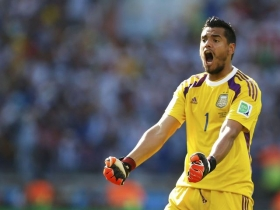 Liverpool and Everton to battle for Sergio Romero