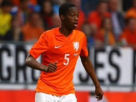 Manchester duo track Terence Kongolo