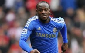 Chelsea plan contract talks with Victor Moses