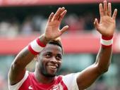 Song calls for Arsenal team spirit