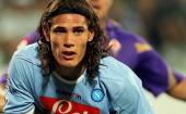 Napoli star Cavani ignores transfer talk