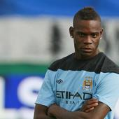 Mancini tells Balotelli to be patient