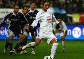 Berbatov eyes Barca move