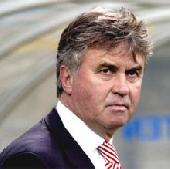 Hiddink praises Russia side
